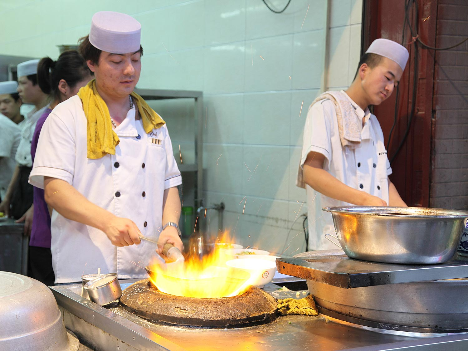 Xi\'an:Chilies, Noodles, and Lamb: 11 Must-Eat Dishes in Xi\'an Form ...